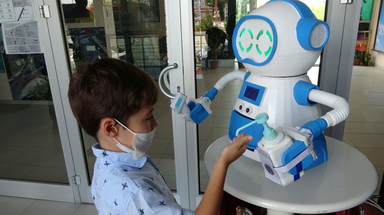 Ordu da virüs salgınına karşı ateş ölçen robot üretildi #1