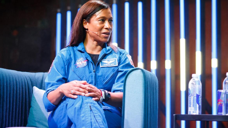 Jeanette Epps, Uzay İstasyonu nda yaşayan ilk siyahi kadın olacak #1