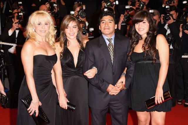 maradona 2849 - Maradona'nın çocukları miras için kavga ediyor