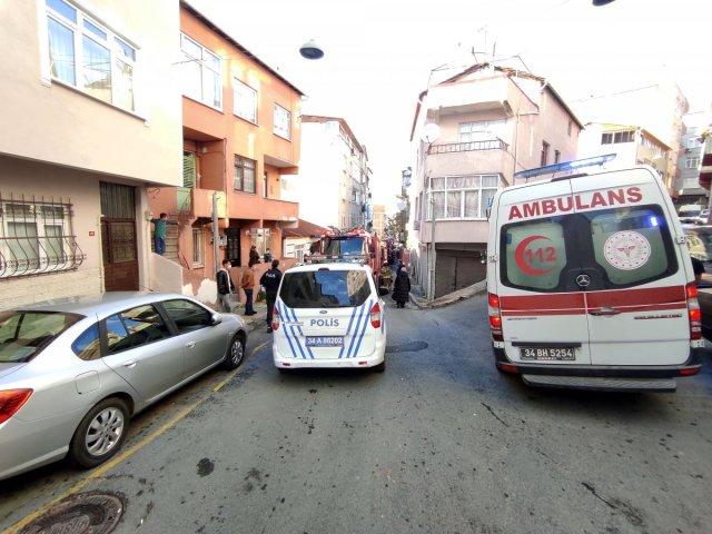 yangin engelli 2220 - Beyoğlu'nda yanan evde engelli eşinin olduğunu görünce bayıldı