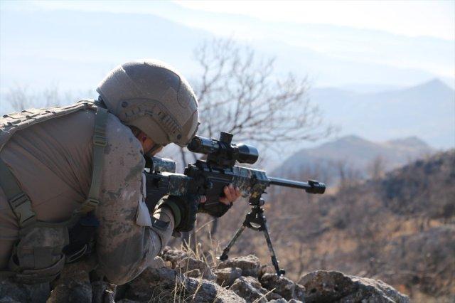 siirt 7070 - Siirt'te PKK'ya ait 6 barınak ve sığınak ele geçirildi