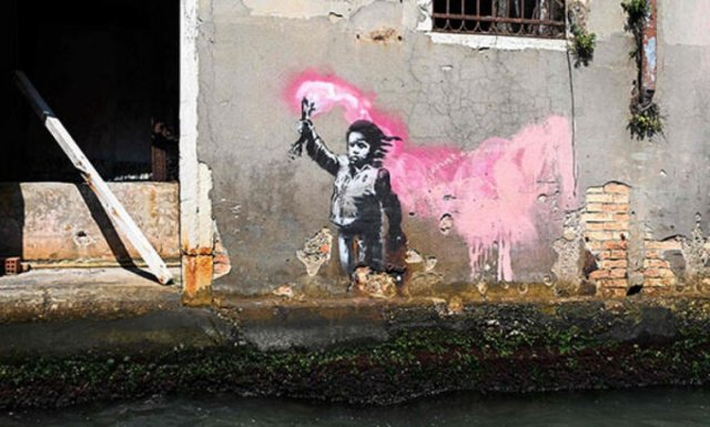 bansky 4960 - Banksy kimdir? Duvar ressamı Banksy gerçek adı nedir? Banksy duvar resimleri..