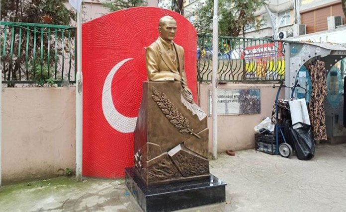 CHP li İzmit Belediyesi nden heykellere 72 bin TL #2