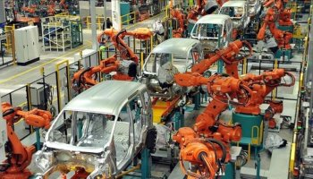 Ford, çip krizi nedeniyle üretimi yarı yarıya düşürecek #1