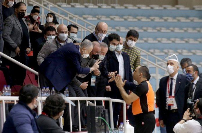 Büyükçekmece Basketbol - Galatasaray maçında olay çıktı #4