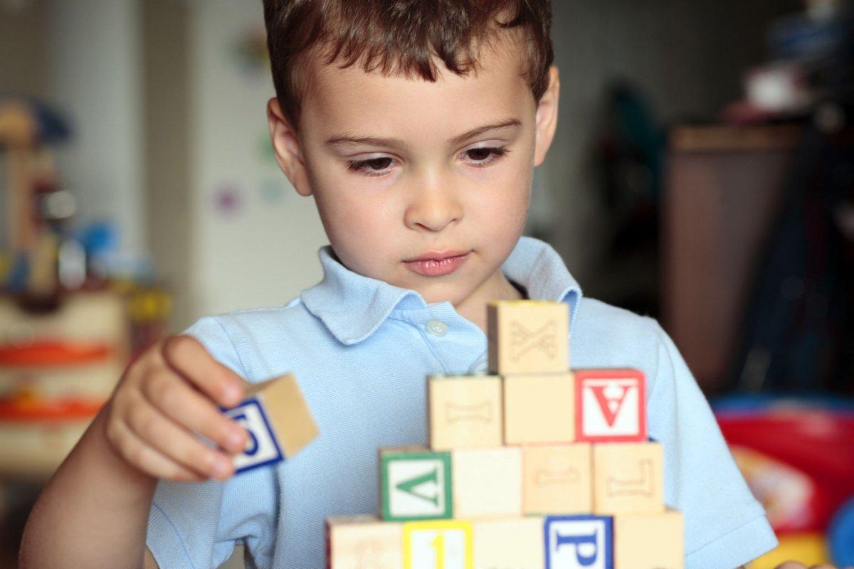 dikkat edilmesi gereken otizm belirtileri 3101