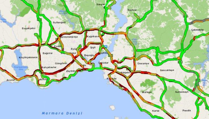 İstanbul da 56 saatlik kısıtlama öncesi trafik yoğunluğu #1