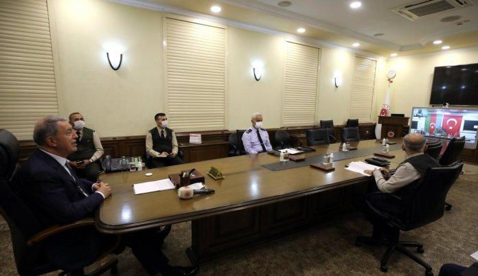 Hulusi Akar, Azerbaycan Savunma Bakanı Hasanov ile görüştü #1