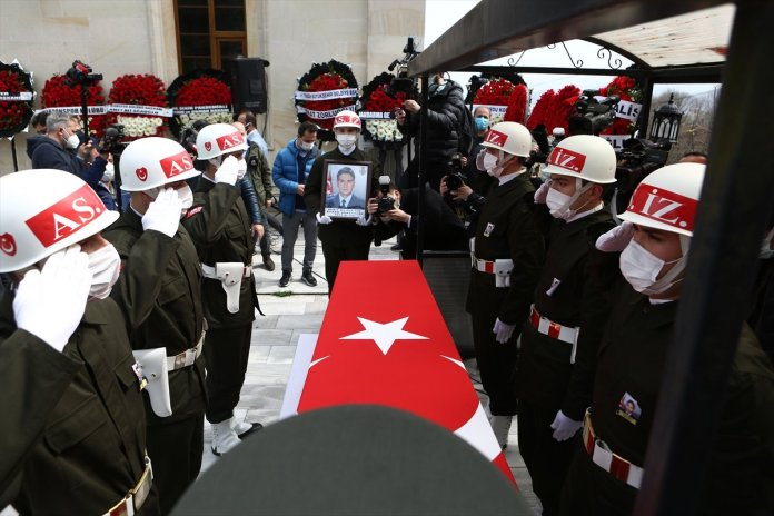 Şehit pilot Burak Gençcelep'in cenazesi Trabzon a getirildi #5