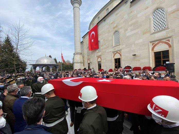 Şehit pilot Burak Gençcelep'in cenazesi Trabzon a getirildi #8