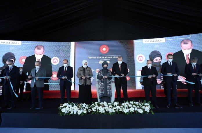Cumhurbaşkanı Erdoğan: Ülkemizde bir dönem ecdat mirasına çok hoyrat davranılmış #3