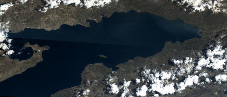 Göktürk uydusu, Van Gölü fotoğrafını çekti #1
