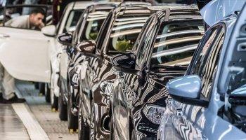 Otomobil ve hafif ticari araç satışları nisanda yüzde 132,4 arttı #1