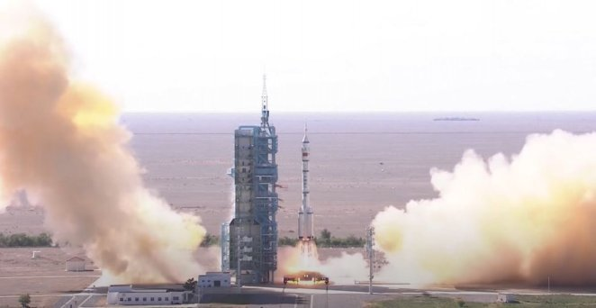China sends 3 astronauts to new space station #5