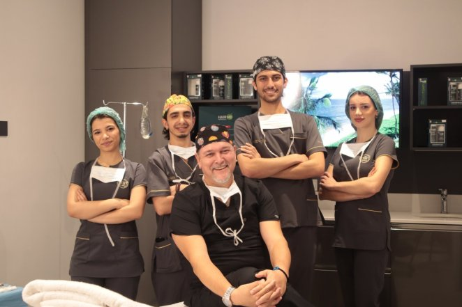You can achieve the hair of your dreams with FUE Hair Transplantation Methods.  Doctor Murat Konakçı Tells!  #4