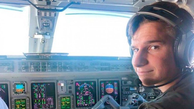 18-year-old Oliver Daemen will accompany Jeff Bezos on his space journey #1