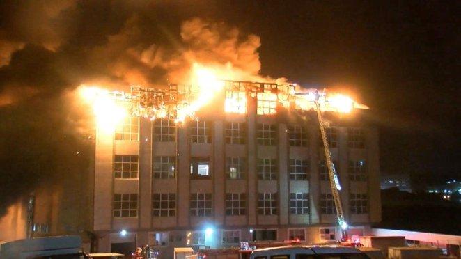 Arnavutköy de fabrikada yangın çıktı #3