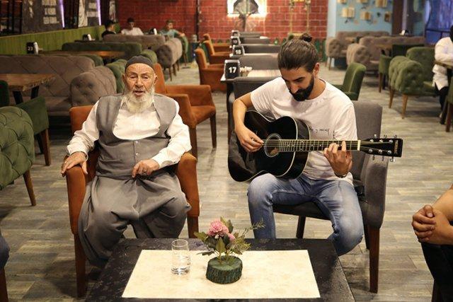 Elazığ da Rock ve tasavvuf sanatçısı düet yaptı #1