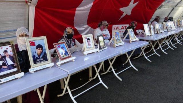 Diyarbakır da evlat nöbeti tutan baba: Dünya sesimizi duydu HDP duymadı #1