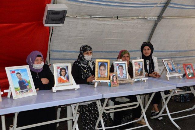 Diyarbakır annesi Esmer Koç: Artık bu acı yeter, ciğerimi yaktılar #1
