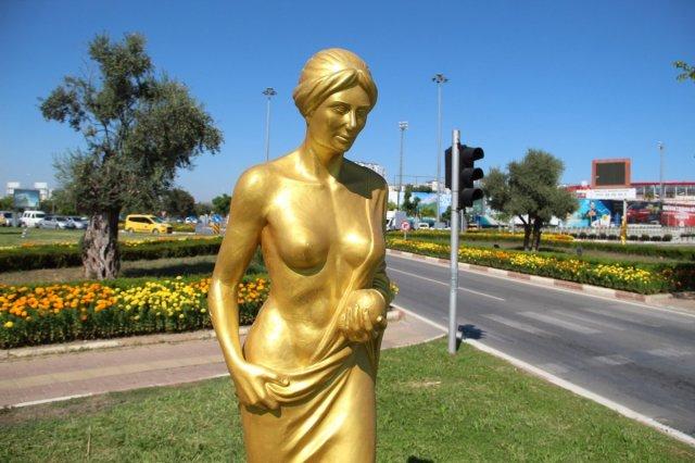 Antalya daki Altın Portakal Film Festivali için 58 heykel dikildi #7