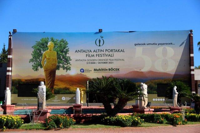 Antalya daki Altın Portakal Film Festivali için 58 heykel dikildi #5