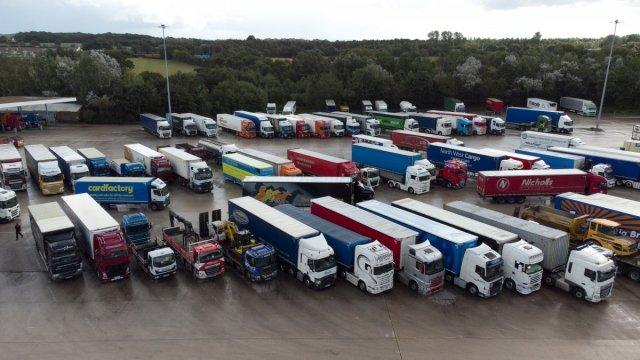 İngiltere deki yakıt krizi sağlık sektörünü de etkilemeye başladı #2