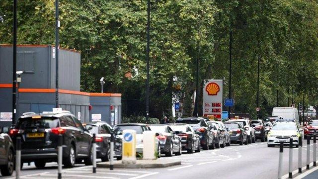 İngiltere deki yakıt krizi sağlık sektörünü de etkilemeye başladı #6