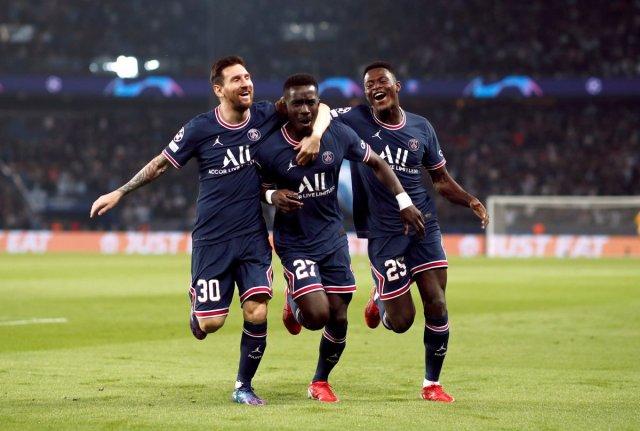 Lionel Messi, PSG deki ilk golünü attı #3