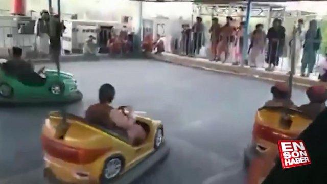 Taliban üyeleri, lunaparklarda eğlenmeye devam ediyor  #6