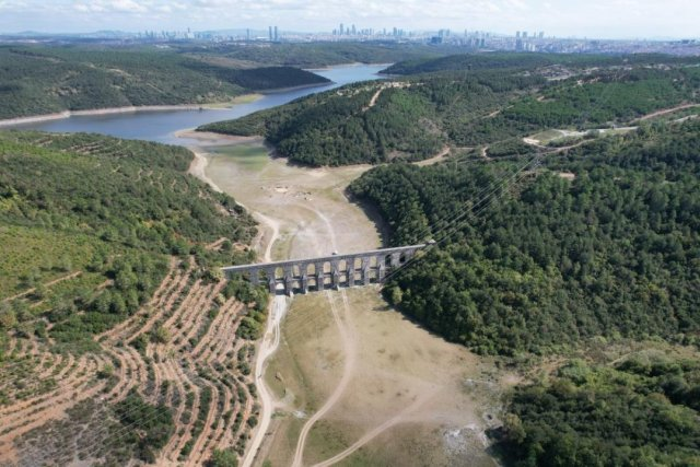 İstanbul da barajlar adeta çöle döndü #7