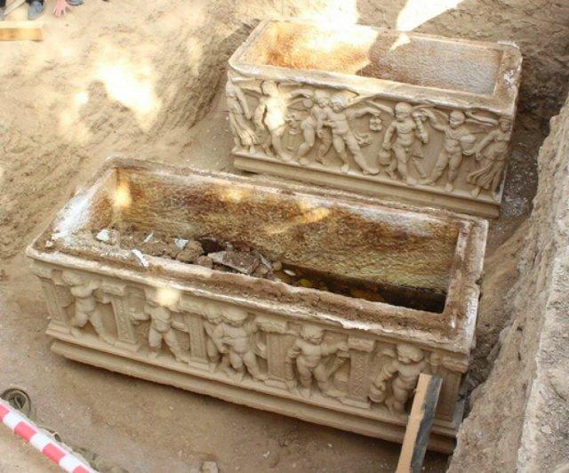 Bursa da kazı çalışmalarında mumyalanmış 3 iskelet bulundu  #2