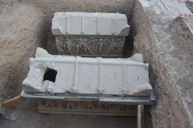 Bursa da kazı çalışmalarında mumyalanmış 3 iskelet bulundu  #4