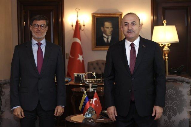 Mevlüt Çavuşoğlu: ABD Türkiye yi suçlamak yerine yanlış politikalardan vazgeçsin #1