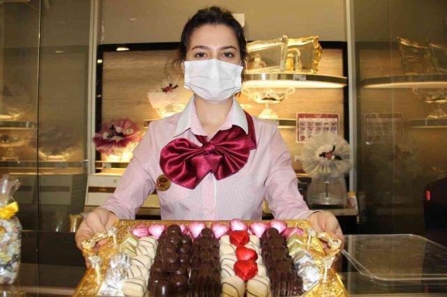 Normalleşme ile birlikte el yapımı dolgu çikolata satışları patladı #2
