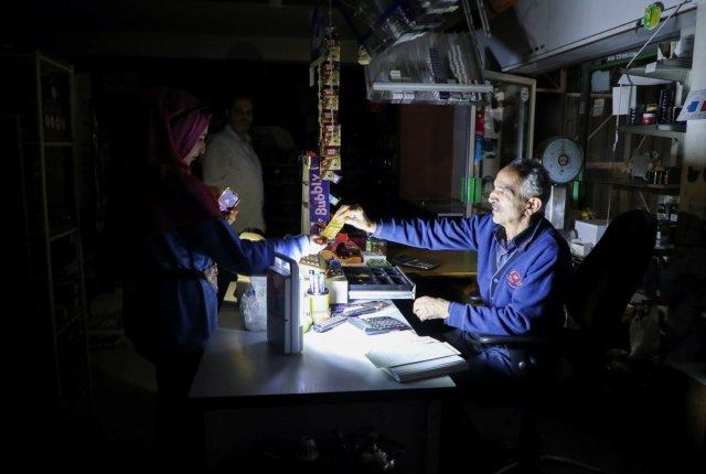 Lübnan da yakıt krizi elektrik üretimini durdurdu #1