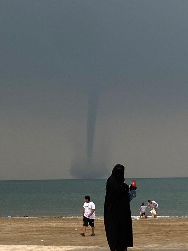 Suudi Arabistan da hortum meydana geldi #1