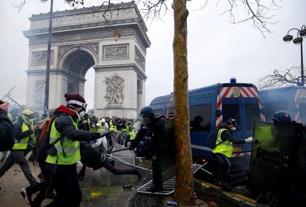 Fransa'da sokaklar yeniden karıştı