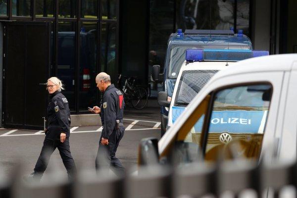 Polis baskını sonrası Deutsche Bank'ın hisseleri çakıldı