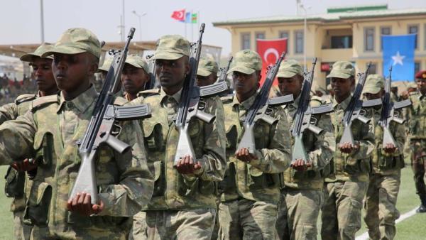 Somali'de Türk askeri eğitim merkezi mezunlarını verdi