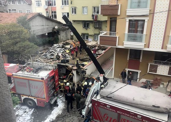 Military helicopter crashes in Istanbul