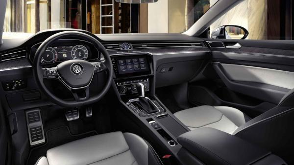 Renault, Volkswagen'i sollayarak liderlik koltuğuna oturdu