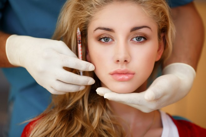 Women turn to medical aesthetics against aging #2
