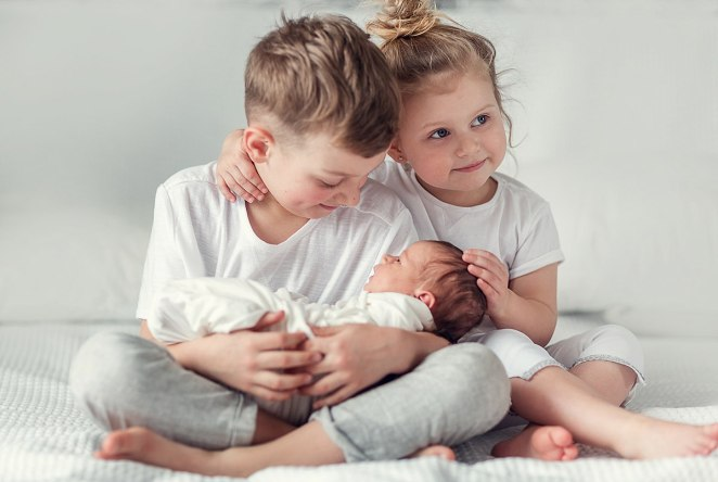 10 steps for your child to adjust to his new sibling #1