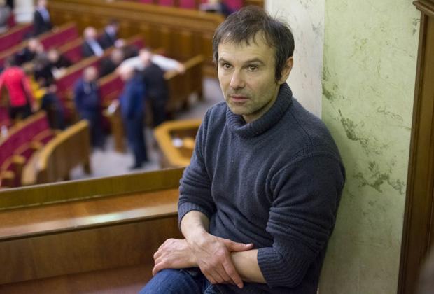 Святослав Вакарчук во время заседания Верховной Рады