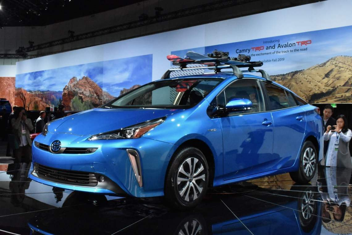 all-wheel drive 2019 toyota prius debuts at 2018 l.a. auto show