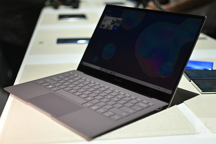 samsung galaxy book s manos en 4