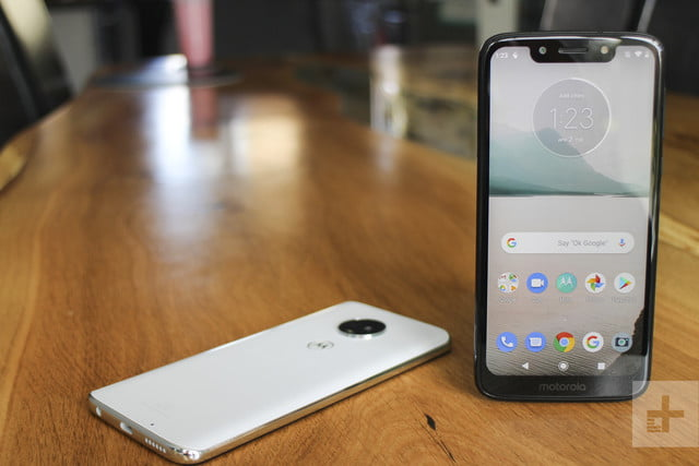 Moto G7 Play Review Motorola S Smallest G7 Is Its Biggest