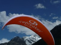 CNISAG_Chamonix_Icebreaker_paraglide5