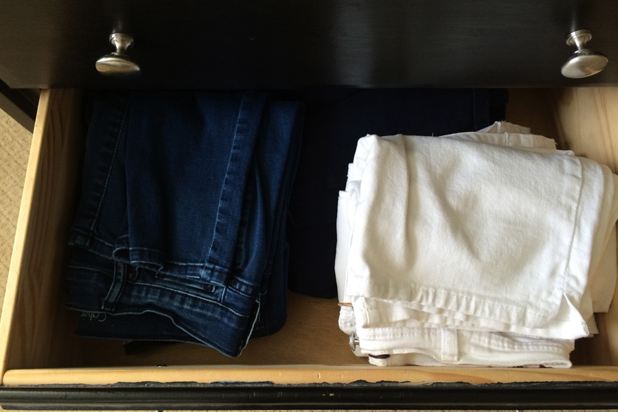 Do you know the proper way to fold and store your pants so you can tell at a glance exactly what you have? Learn the KonMari method of organization for your clothes and make laundry FUN!